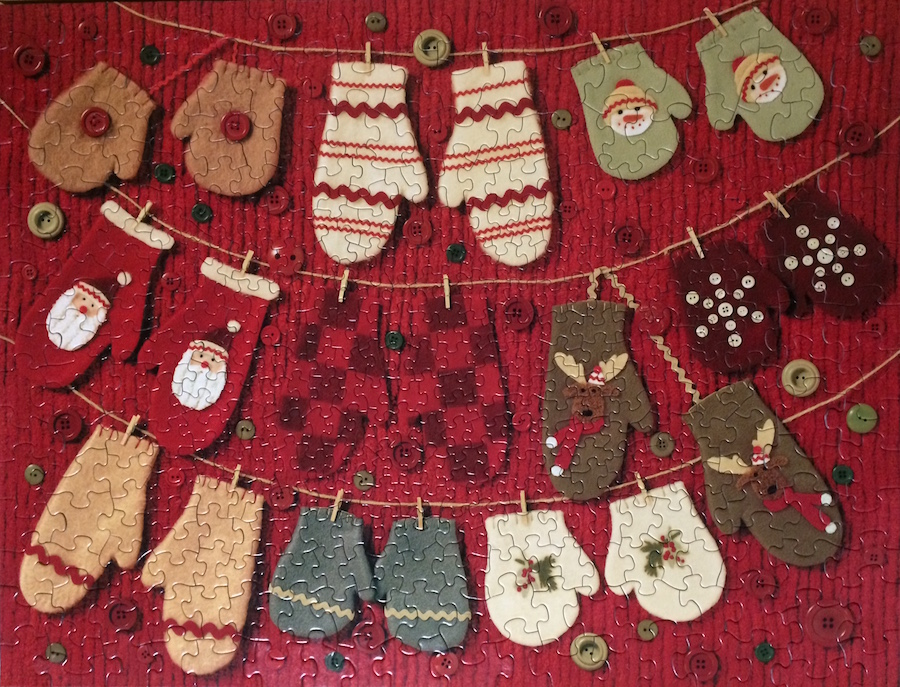 Brand: Hallmark  Title: Woolly Mittens Puzzle  By: John Donnell  Pieces: 400  Size: 20.5 x 26.75 or (52x67.9cm)
